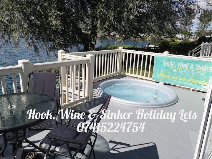 Hook, Wine & Sinker Hot Tub Holidays Tattershall