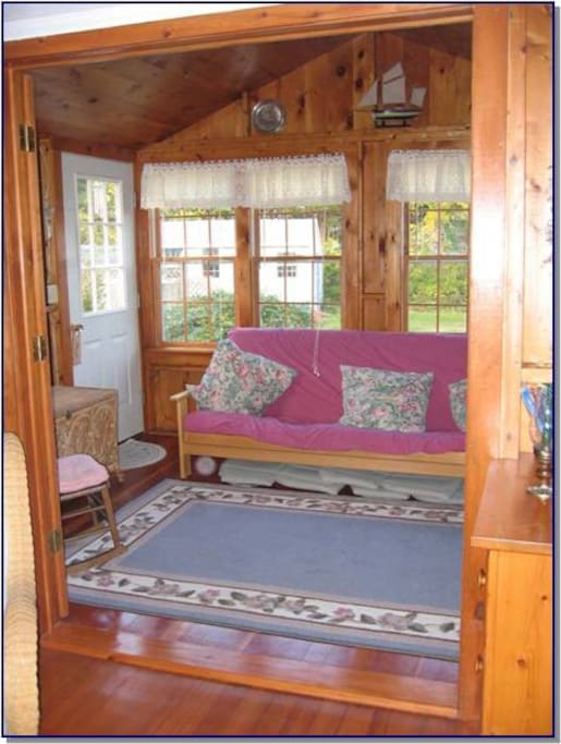 Sunporch-can be closed off for bedroom