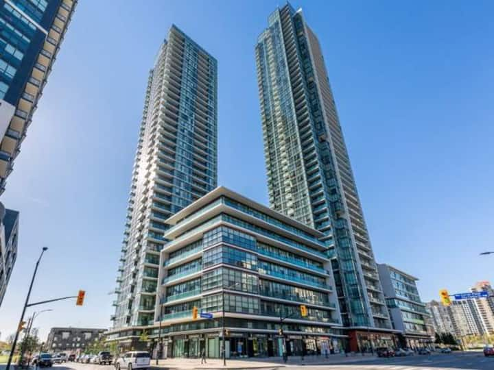 Beautiful Condo in Square One