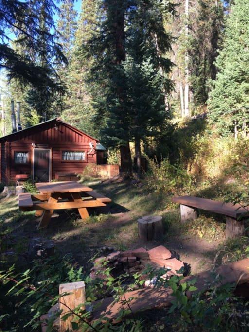 The Bear's Den Mountain Retreat $99. Meeker, CO.