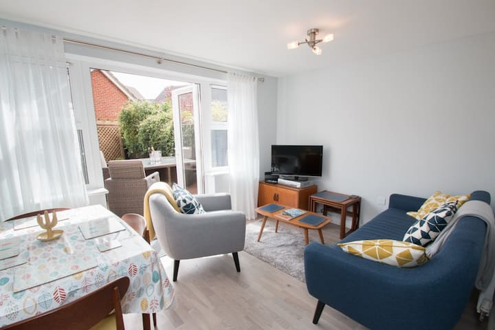 Laydens contemporary townhouse, Chichester