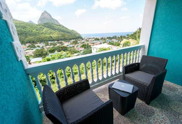 Sapphire Apartment 4.NEW! Close to EVERYTHING! - Soufriere - Apto. en complejo residencial