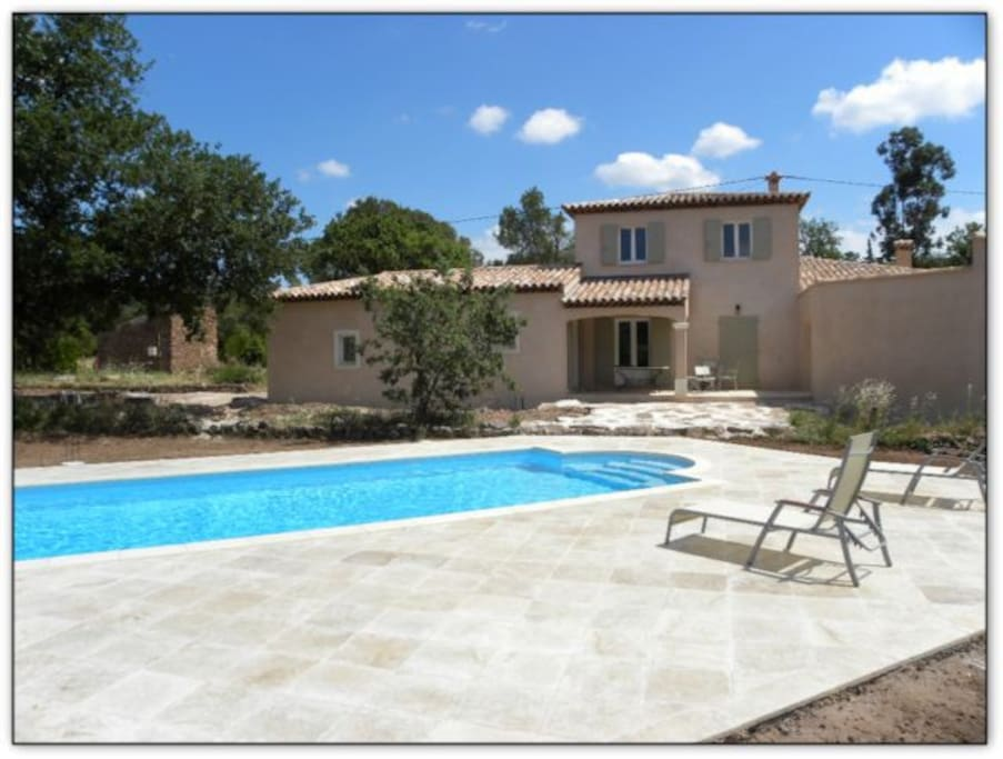 Bastidon avec piscine en provence maisons louer for Piscine en provence