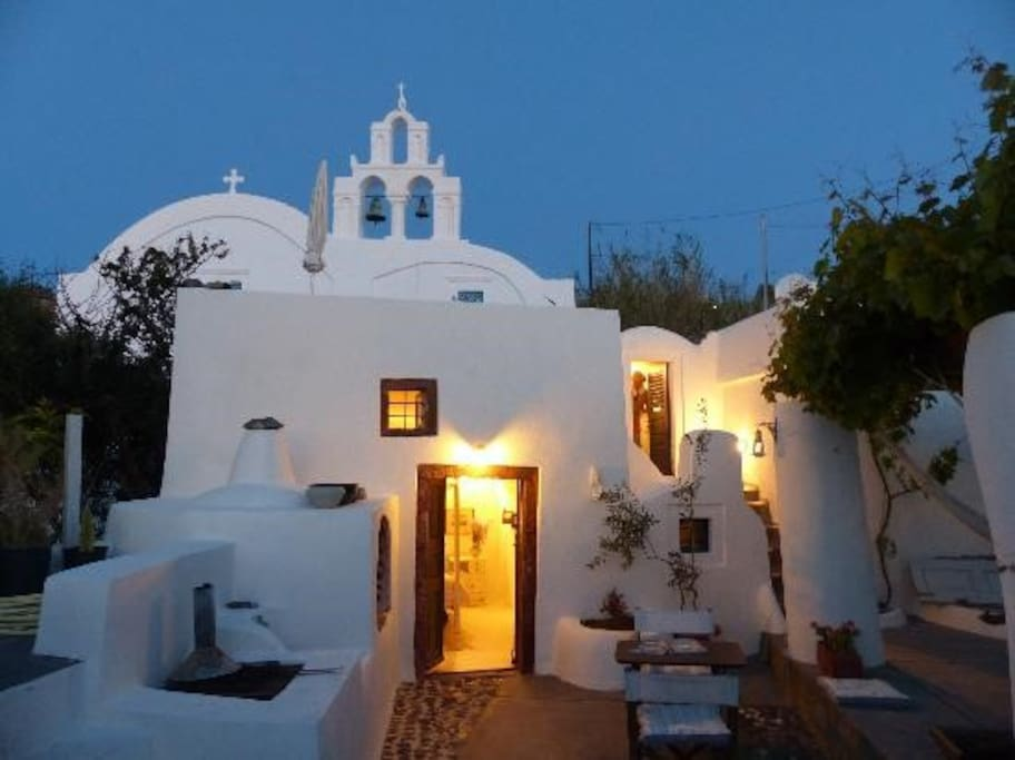 House of the Singing Birds. - Houses for Rent in Santorini ...