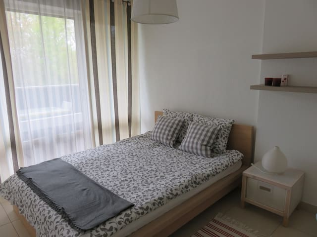 Very cosy room in Gex - breakfast included - Gex - Apartament