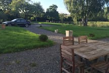 Table côté avant jardin