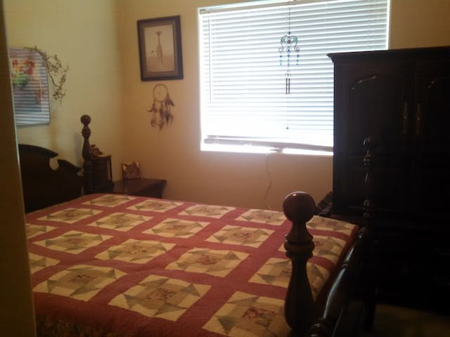 Room for rent in beautiful home. - Prescott Valley - Huis