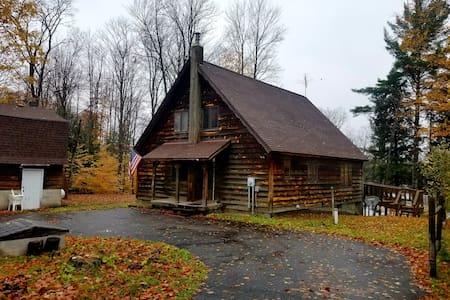 Boot Lake Retreat Cabin