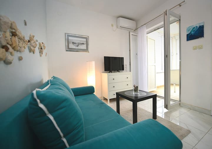 Blue Apartment On The Beach-Apartments Gogs