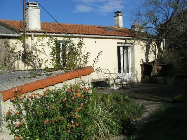 chambre dans maison de charme - Saint-Jean-de-Boiseau