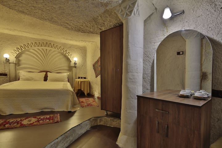 ViewCaveHotel (Fairy Chimney) - Göreme - Bed & Breakfast