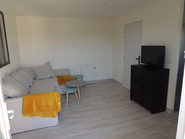 T2 (35m²) avec jardin  Aix, Marseille, Plages