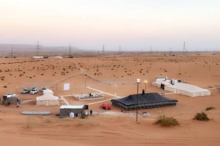 Gold sand camping  مخيم الرمال الذهبيه