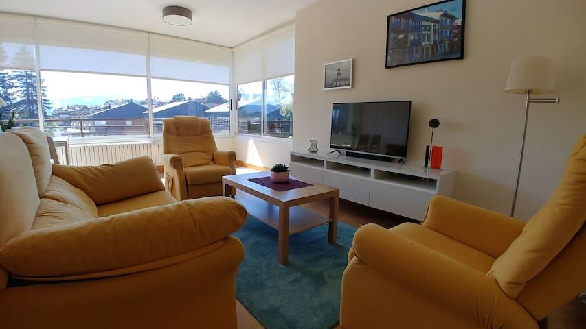 Olabide. Apartamento soleado con piscina y tenis