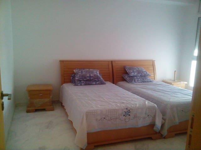 Appartement aubord de la mer Skanes - Monastir - Appartement