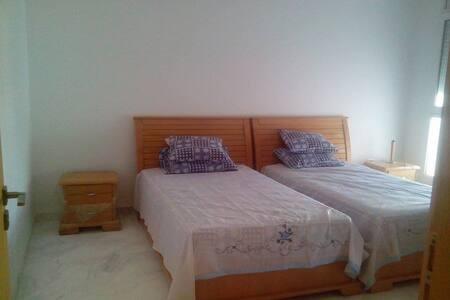 Appartement aubord de la mer Skanes - Monastir - Daire