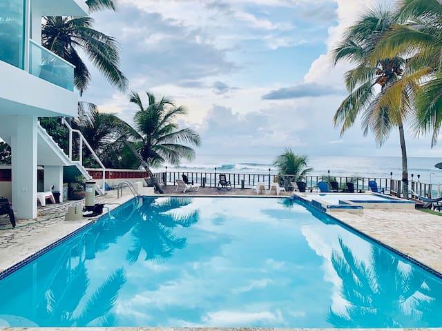 VA 1a Romantic Studio Villa / Ventana al Atlantico