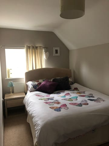 A Cosy room, well located for Stratford Upon Avon