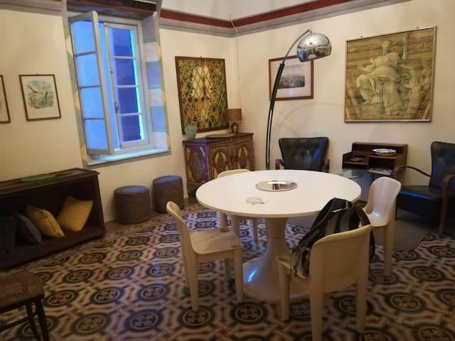 Appartamento e camere in palazzo storico