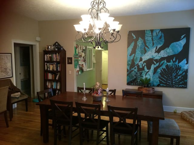 Dining Room Table can easily accommodate 6-8 adults.