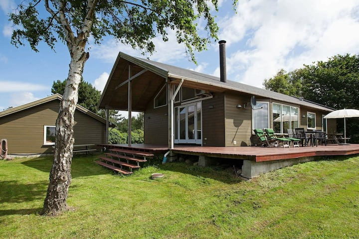Comfortable Holiday Home in Hundested with Jacuzzi