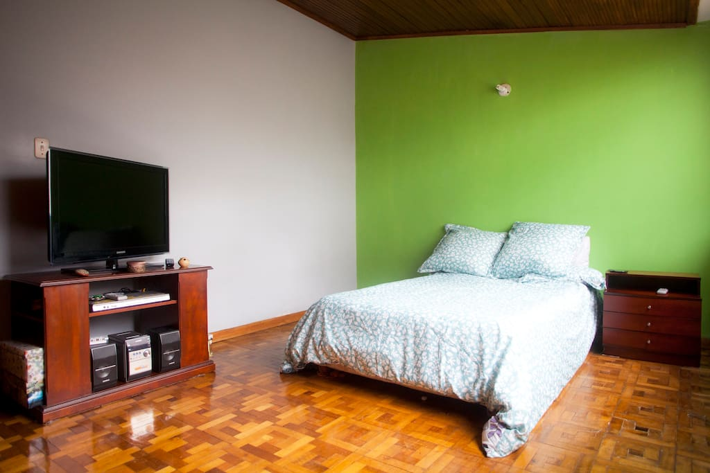 Cozy room nice central area bogota chambres d 39 h tes for Chambre d hotes nice
