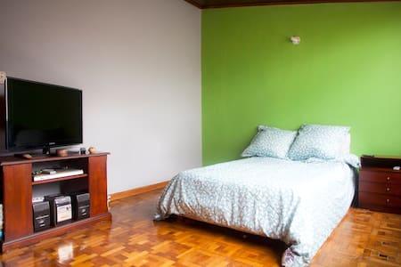 Cozy room, nice central area Bogota - Bogota