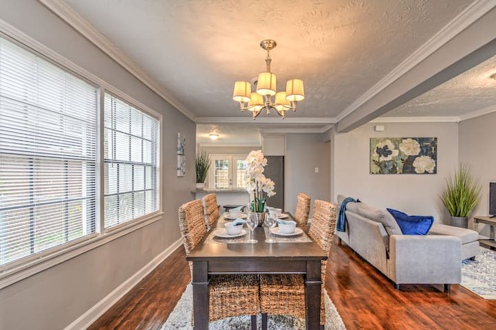 Comfort, Style and Charm in the heart of Houston