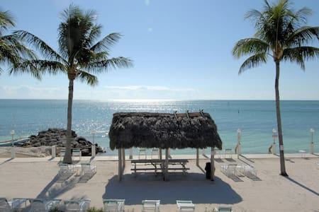 Beachside Unit 39 Tiki Huts,  Private Beach & Pool