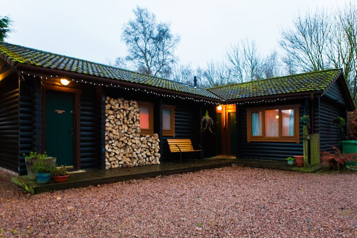Logcabin room w private entrance. - Cupar - Penzion (B&B)