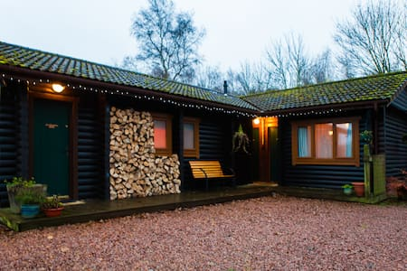 Redlands Lodge log cabin b&b Fife - Cupar