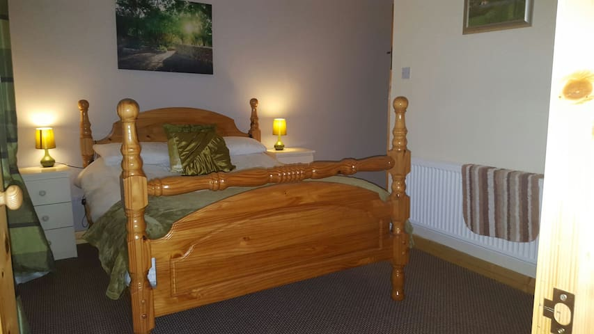 Country Cottage En suite room - Kells - Bed & Breakfast