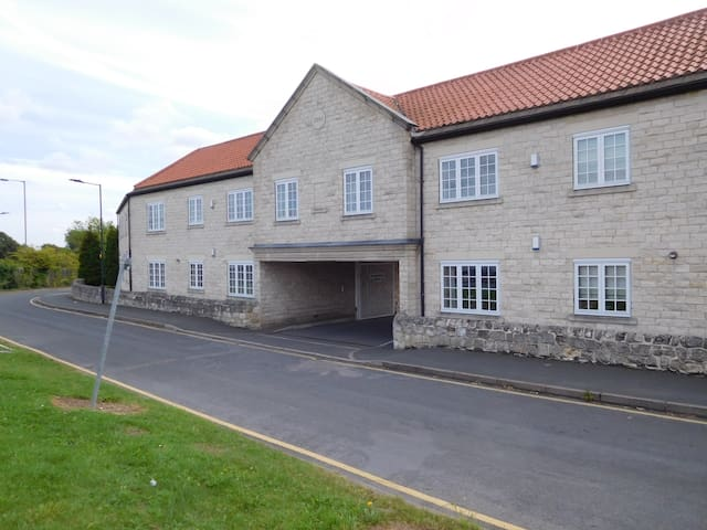 Modern double bedroom apartment Doncaster
