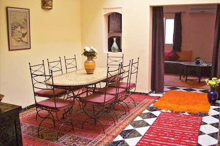 Marrakech, 185 m² comfort & Sw-Pool - Marrakesh - House