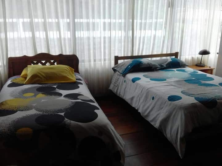 Hotel Ambateñito