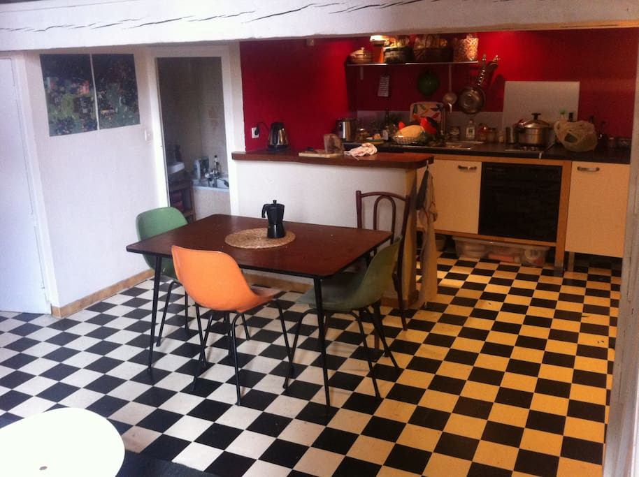joli canut appartements louer lyon rh ne alpes france. Black Bedroom Furniture Sets. Home Design Ideas