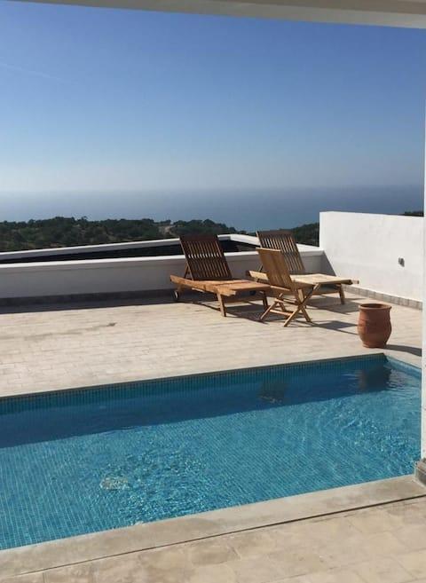 Villa d'architecte vue sur mer