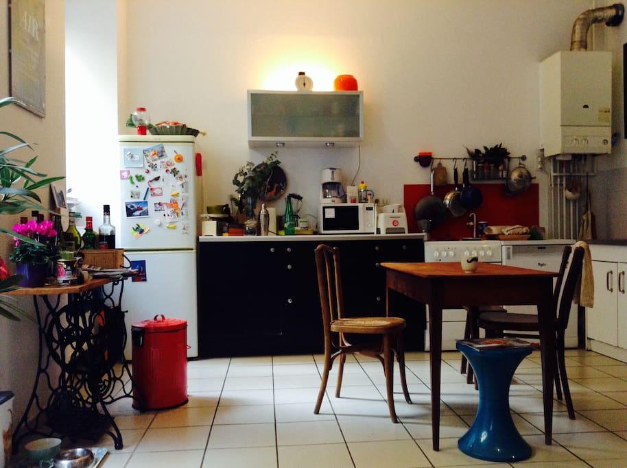 Cuisine équipée : micro-onde, lave-vaisselle, four, nesspresso !