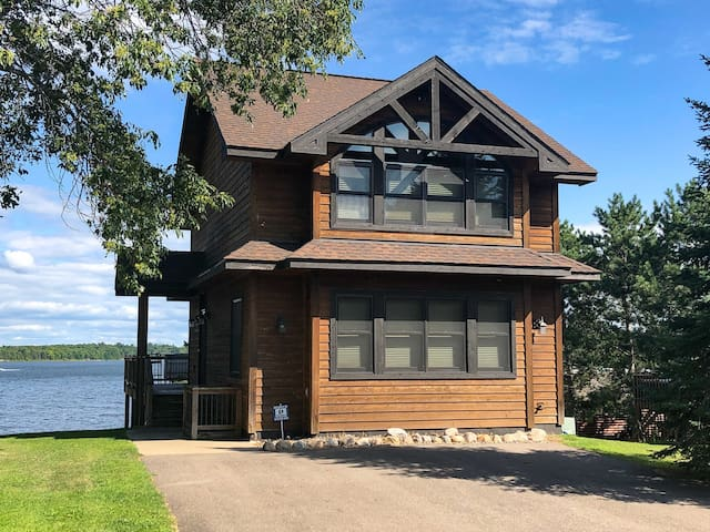 NEW! Bay Lake Cabin w/200ft of Lakefront Shoreline
