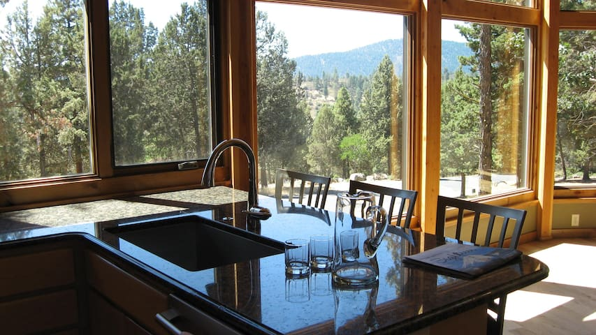 Chalet Lindal - between Mt Shasta & Crater Lake - Klamath Falls - Maison
