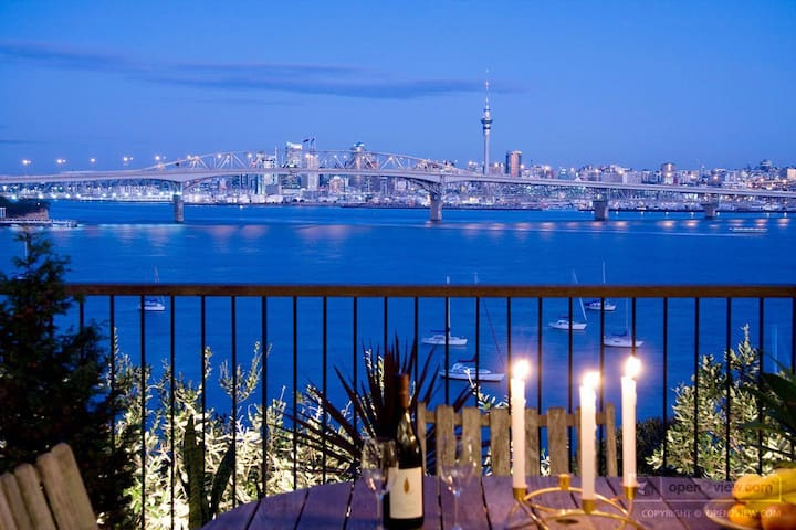 Cliff top Master Guest with stunning harbour views - Auckland - Casa