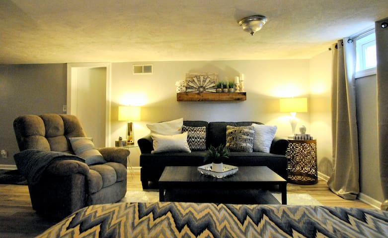Sweet Basement Suite in the Heart of Des Moines!