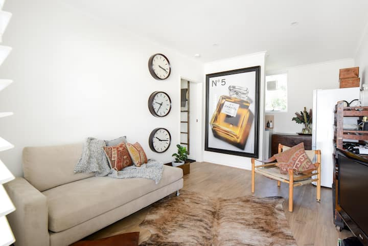 Stay in the Heart of Richmond, Chic 1 Bed apt