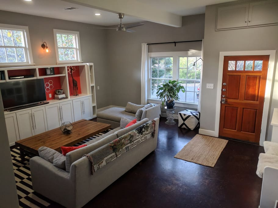 Modern Comfortable 3 Bedroom Near Soco Houses For Rent In Austin Texas United States