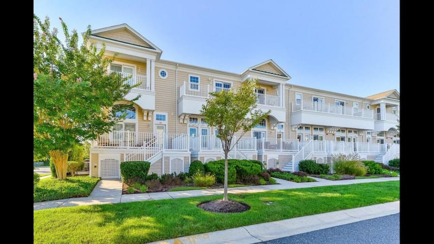 3BDR Luxury Townhouse West Ocean City, MD POOL&GYM