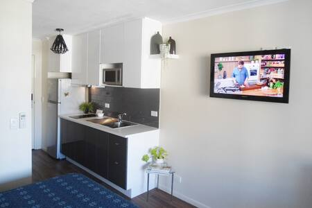 SouthBank and city. Perfect apartment with parking