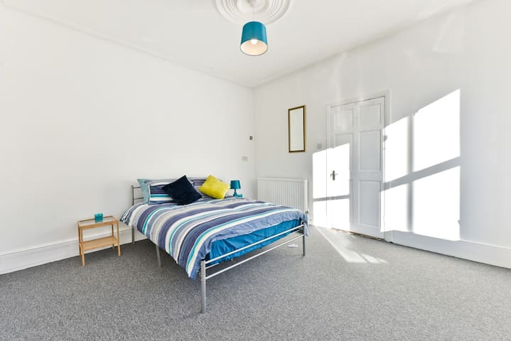 Pretty Double Room with Lounge (1)