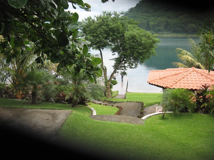 Bungalow a orilla del Lago