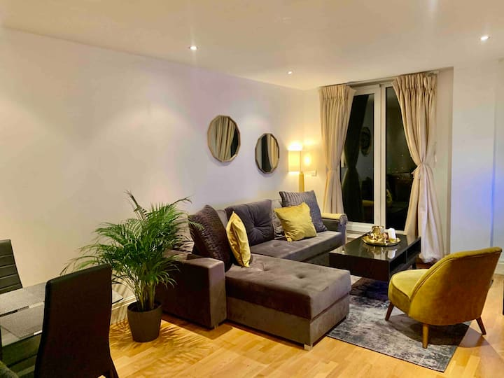 Apartment in Chelsea Harbour/Imperial Wharf!