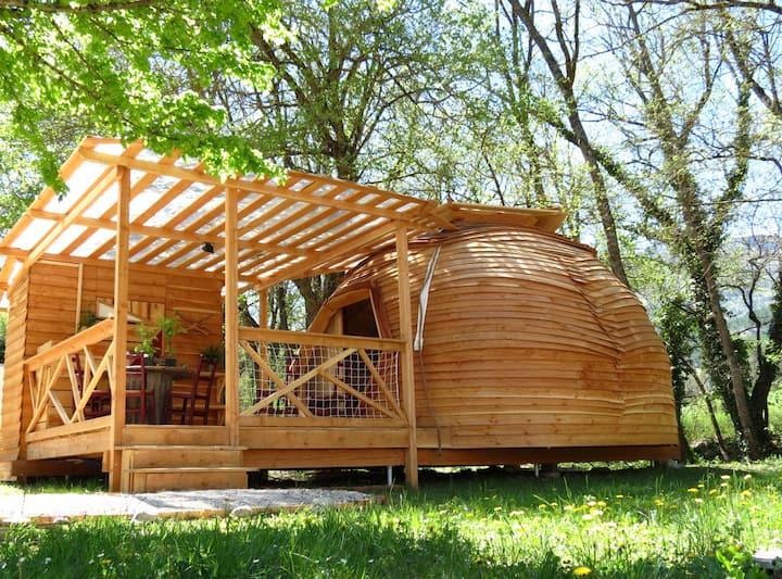 Géode en bois -  Hébergement insolite confortable